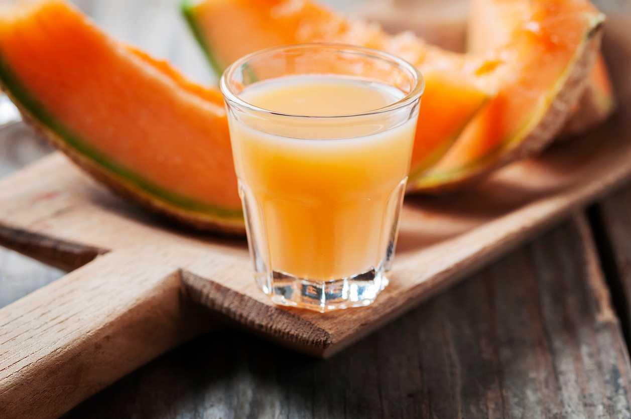 Meloncello, un liquore semplice e delizioso da preparare in casa