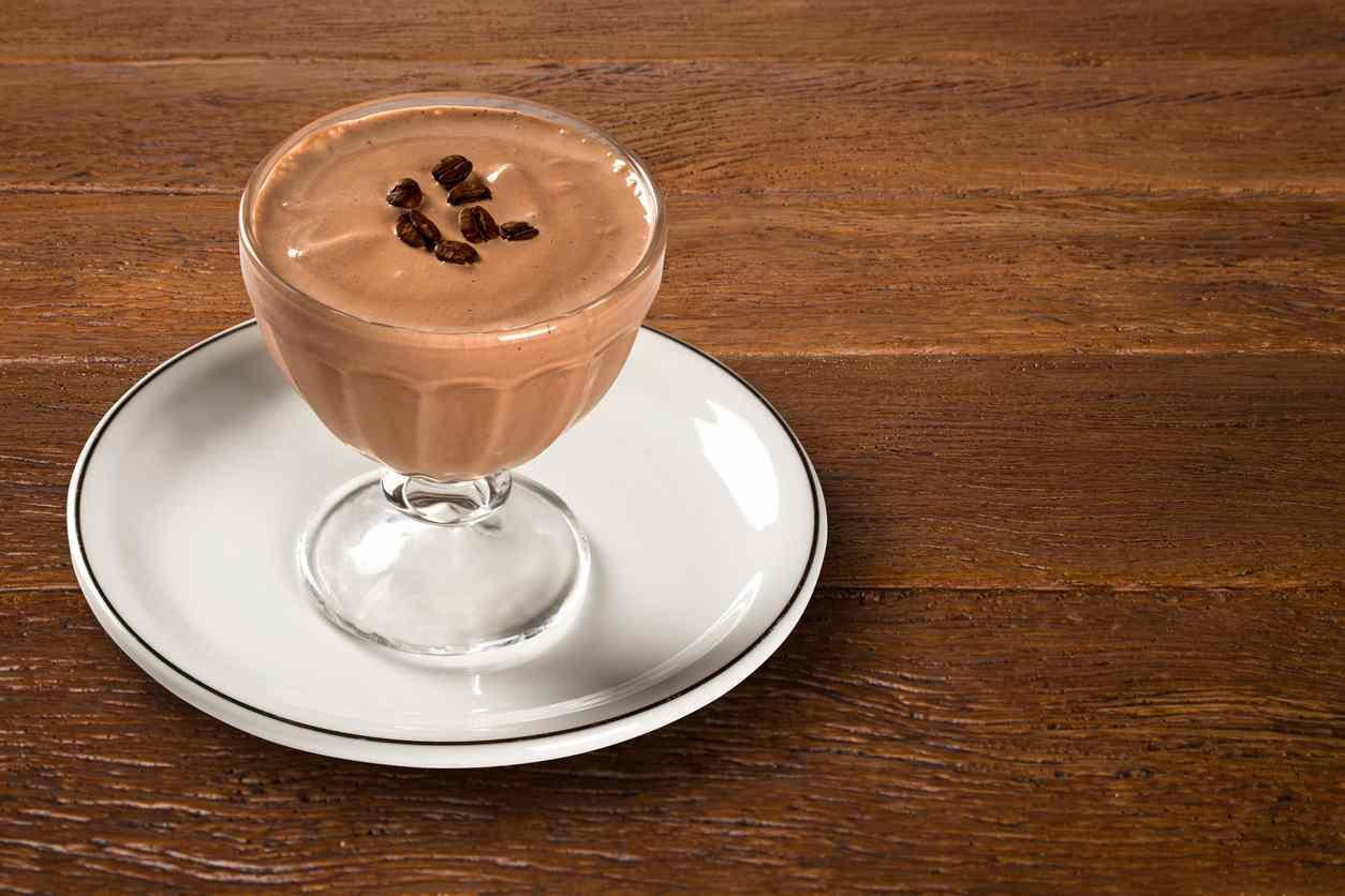 Spumone light al caffè, un dessert fresco e leggero pronto in poco tempo