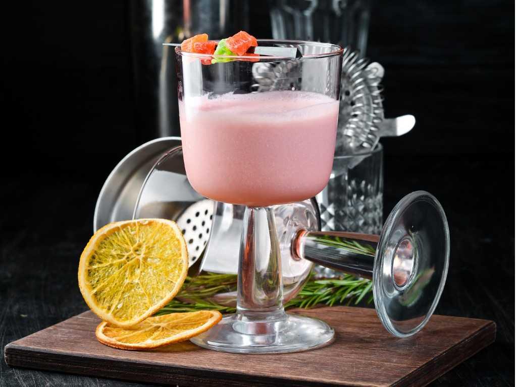 Liquore cremoso alla fragola fatto in casa con pochissimi ingredienti