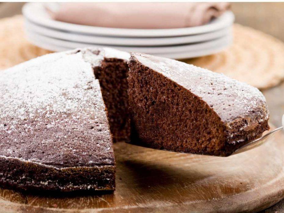 torta all'acqua cacao e cioccolato