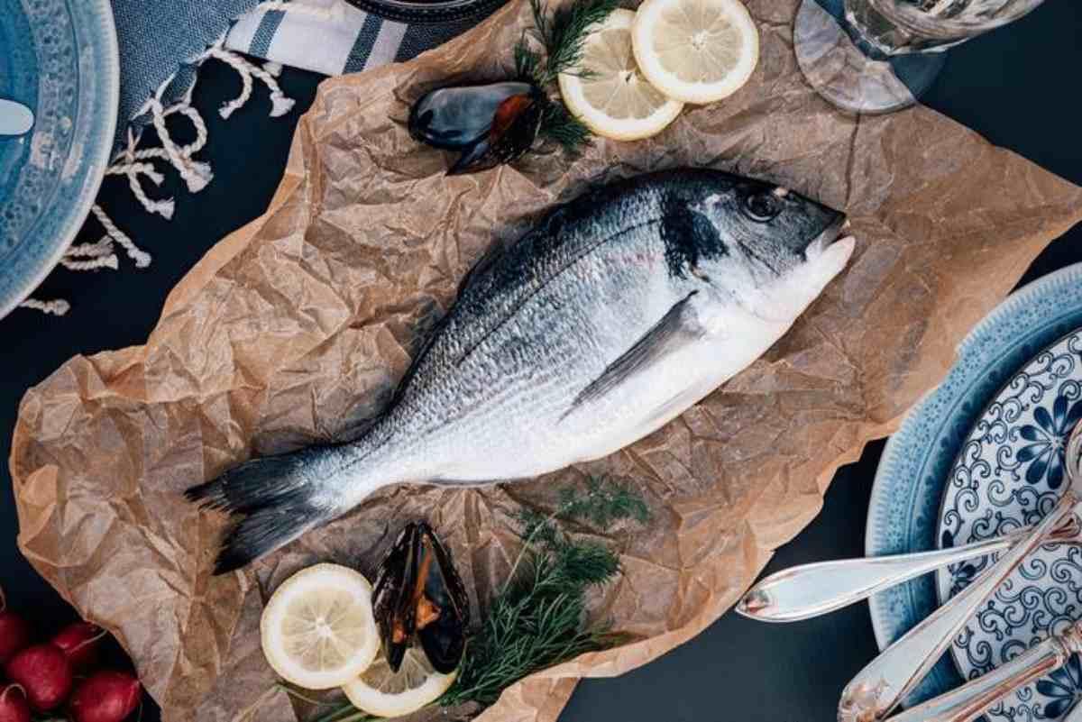Pesce bianco o pesce azzurro? Ecco come scegliere