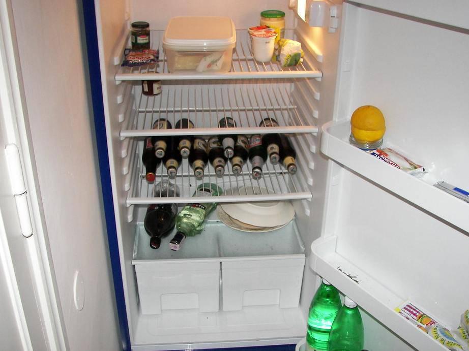 Eliminare cattivo odore frigo