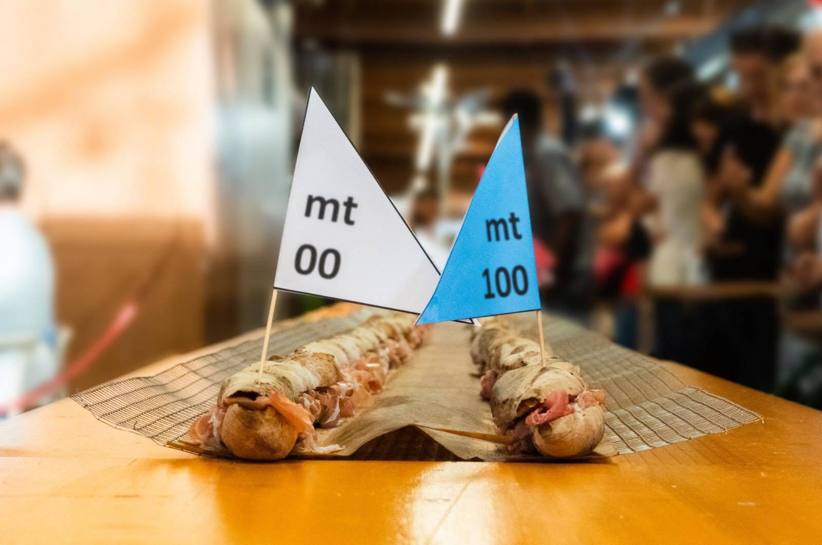 Guinness dei Primati: panino di 100 metri farcito con prosciutto San Daniele