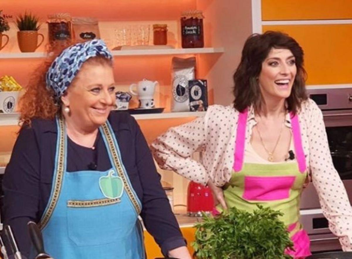 """Elisa Isoardi La Prova del Cuoco, è bufera: """"Prendete provvedimenti"""""""