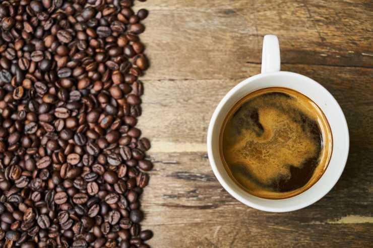 bere caffè ogni mattina