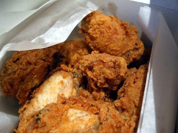 Kfc cerca assaggiatori di pollo