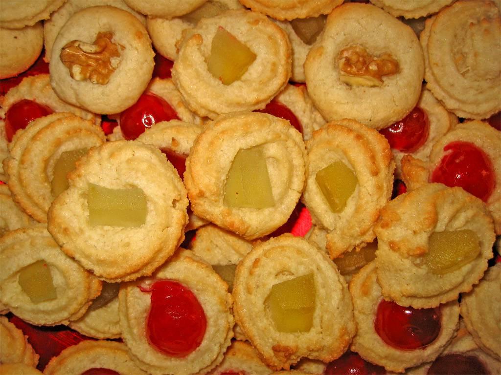 biscotti friabili con pasta di mandorle