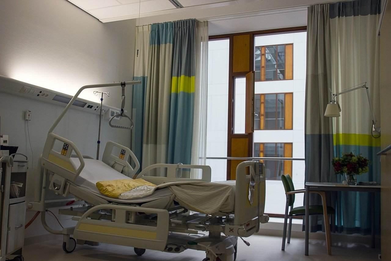 Beve una bibita fredda e va in ospedale: muore dopo essere stato dimesso