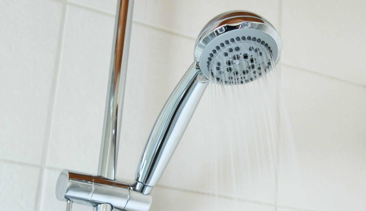 Calcare nella doccia: come eliminarlo con un prodotto che non ti aspetti