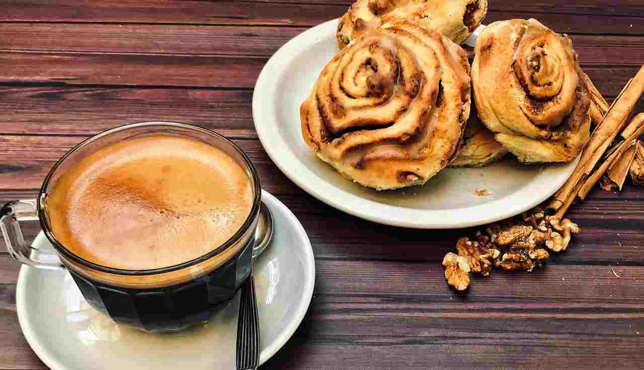 Cinnamon Rolls senza impasto: l'idea veloce  per una colazione da campioni