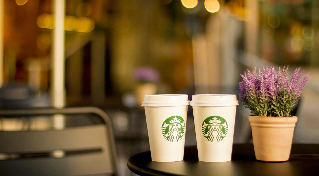 Starbucks approda in Italia: nuova ricetta per palati italiani sopraffini