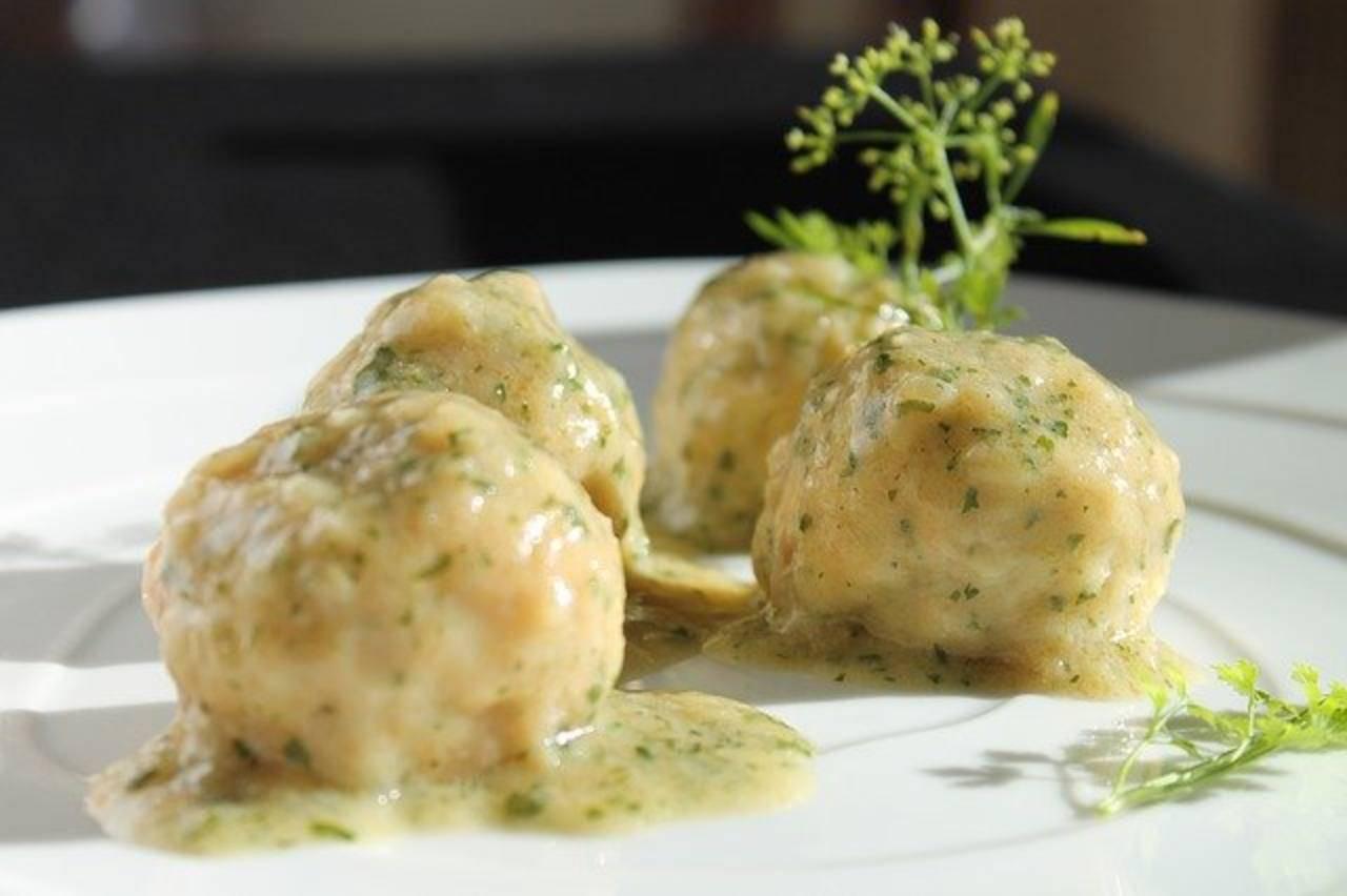 Polpette di robiola ripiene di due ingredienti favolosi: cotte al forno, irresistibili