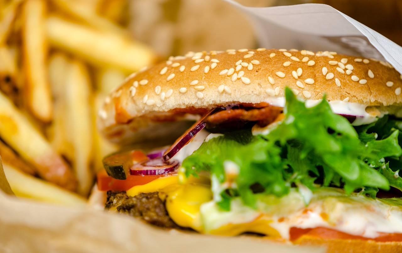 hamburger patatine
