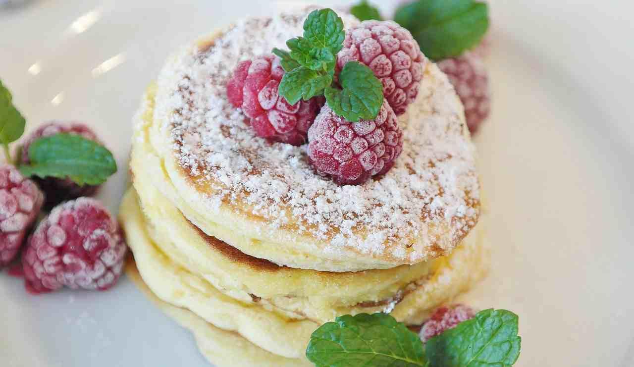 "Pancakes: l'ingrediente ""segreto"" per avere frittelle alte e soffici"