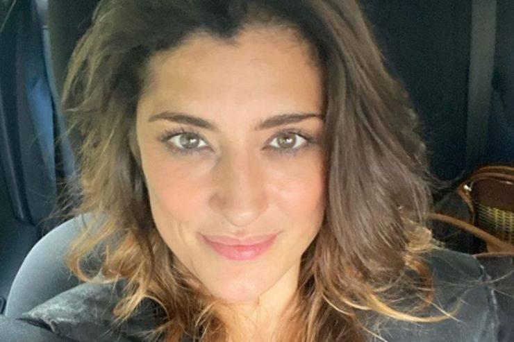 Elisa Isoardi, 'incidente' a Ballando con le stelle: mostra a tutti cosa si è fatta