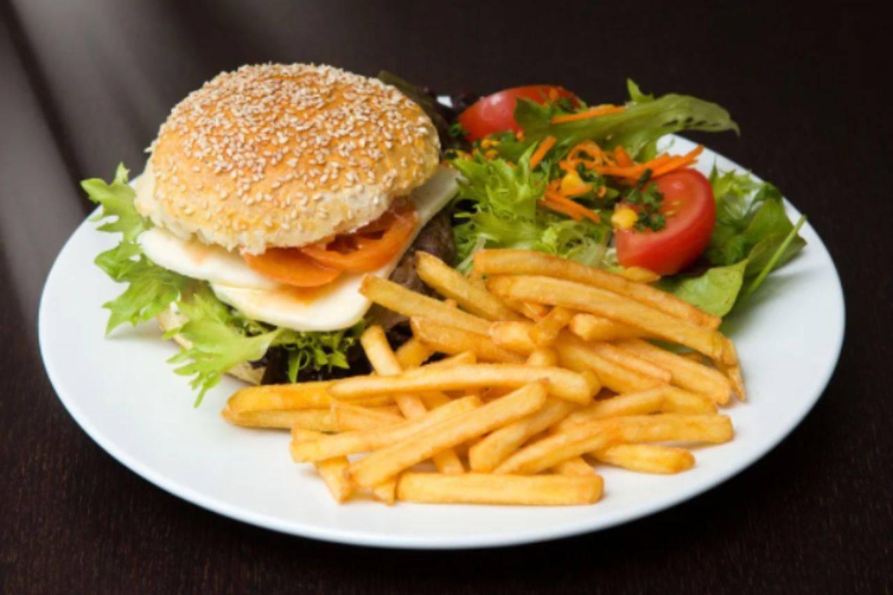 Cena per sei persone: il piatto sfizioso come al fast food