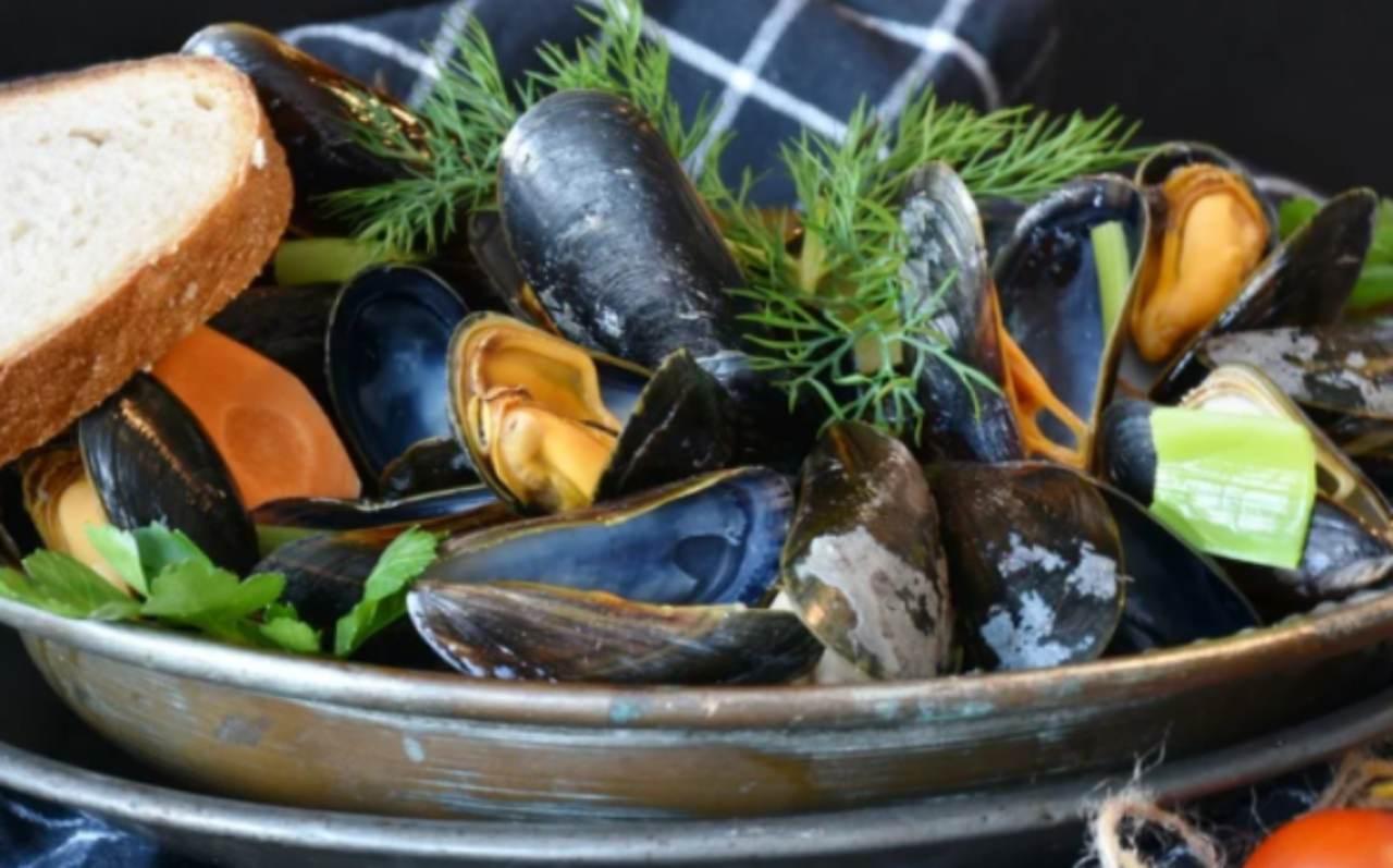Cena di pesce per sei persone: come stupire gli ospiti in economy