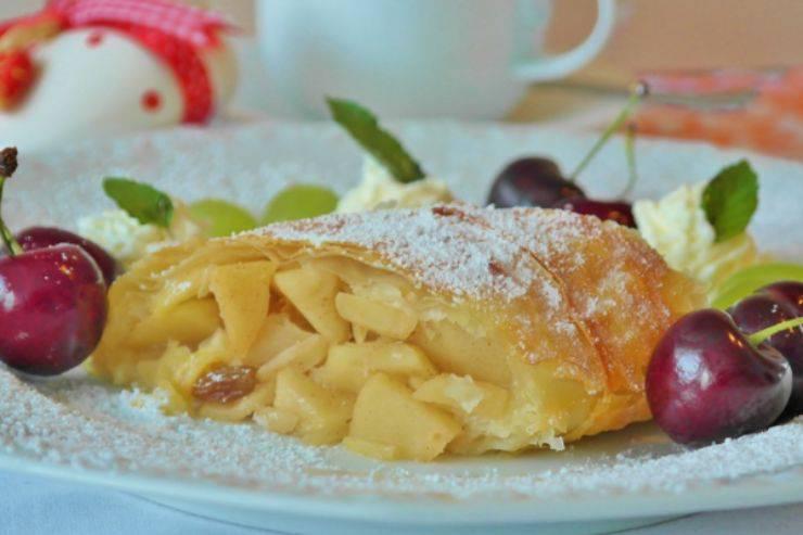 Strudel di mele con solo 4 ingredienti: la ricetta gustosissima pronta in 30 minuti