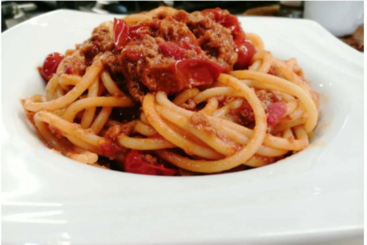 Ragù pronto in 20 minuti: la ricetta per chi ha poco tempo ma vuol mangiare con gusto