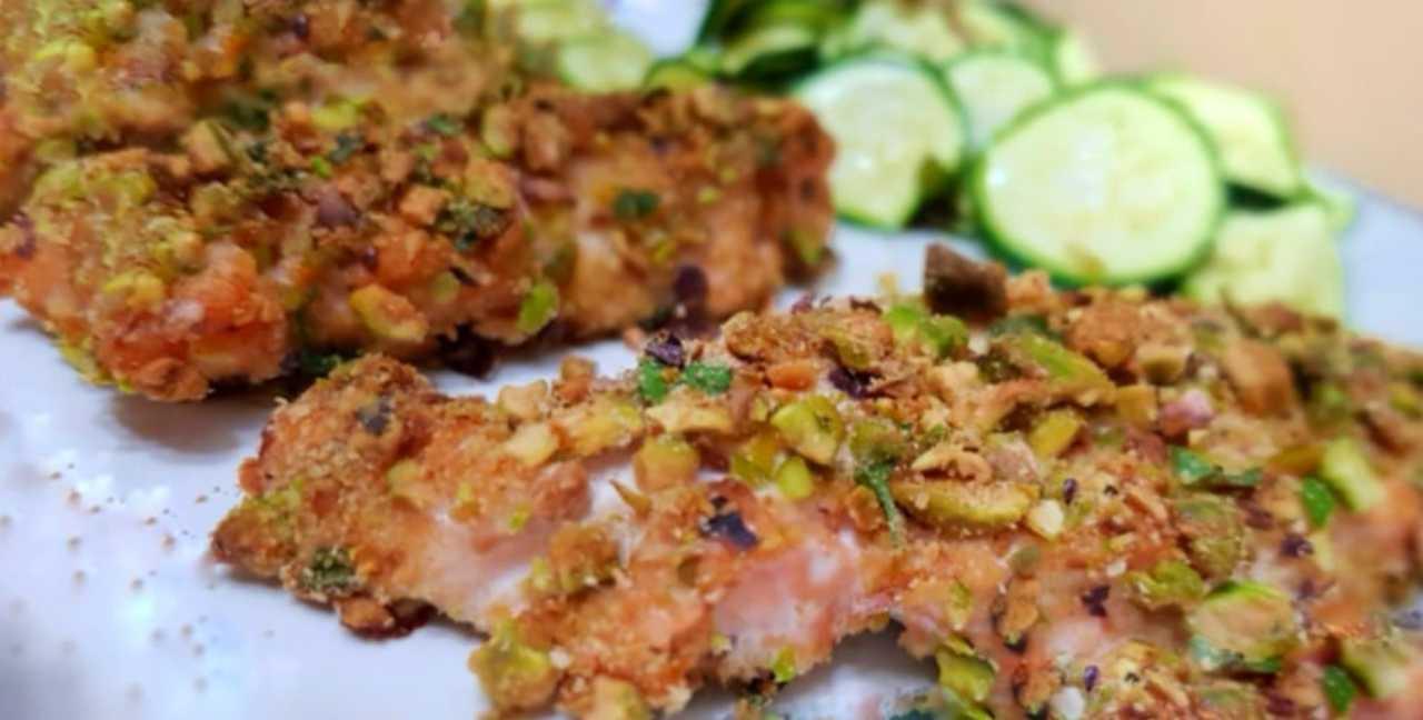Salmone in crosta 'particolare': con questo ingrediente sarà irresistibile