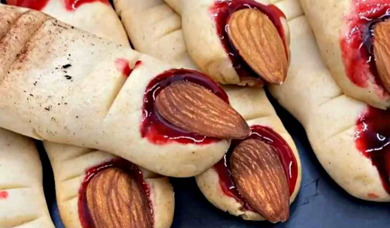 Halloween sorprendente: i biscotti mostruosi con soli 2 ingredienti