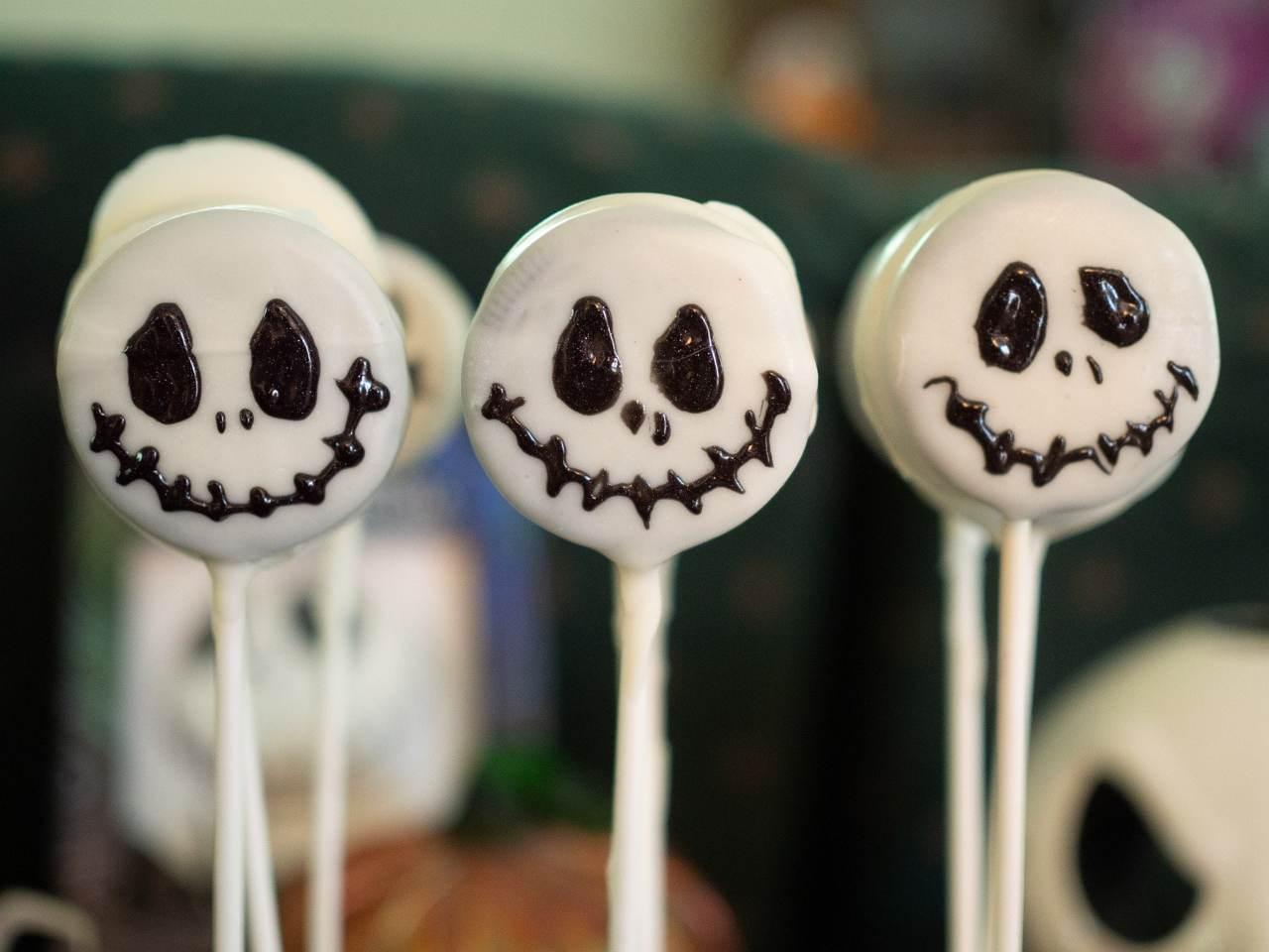 Dolcetti di Halloween: prepara il pan di spagna, sbriciola e…