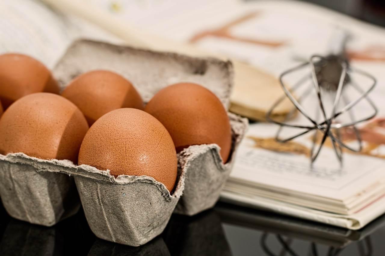 Nuvolette di uova: il trucchetto per un tuorlo cremosissimo (Fonte foto: Pixabay)