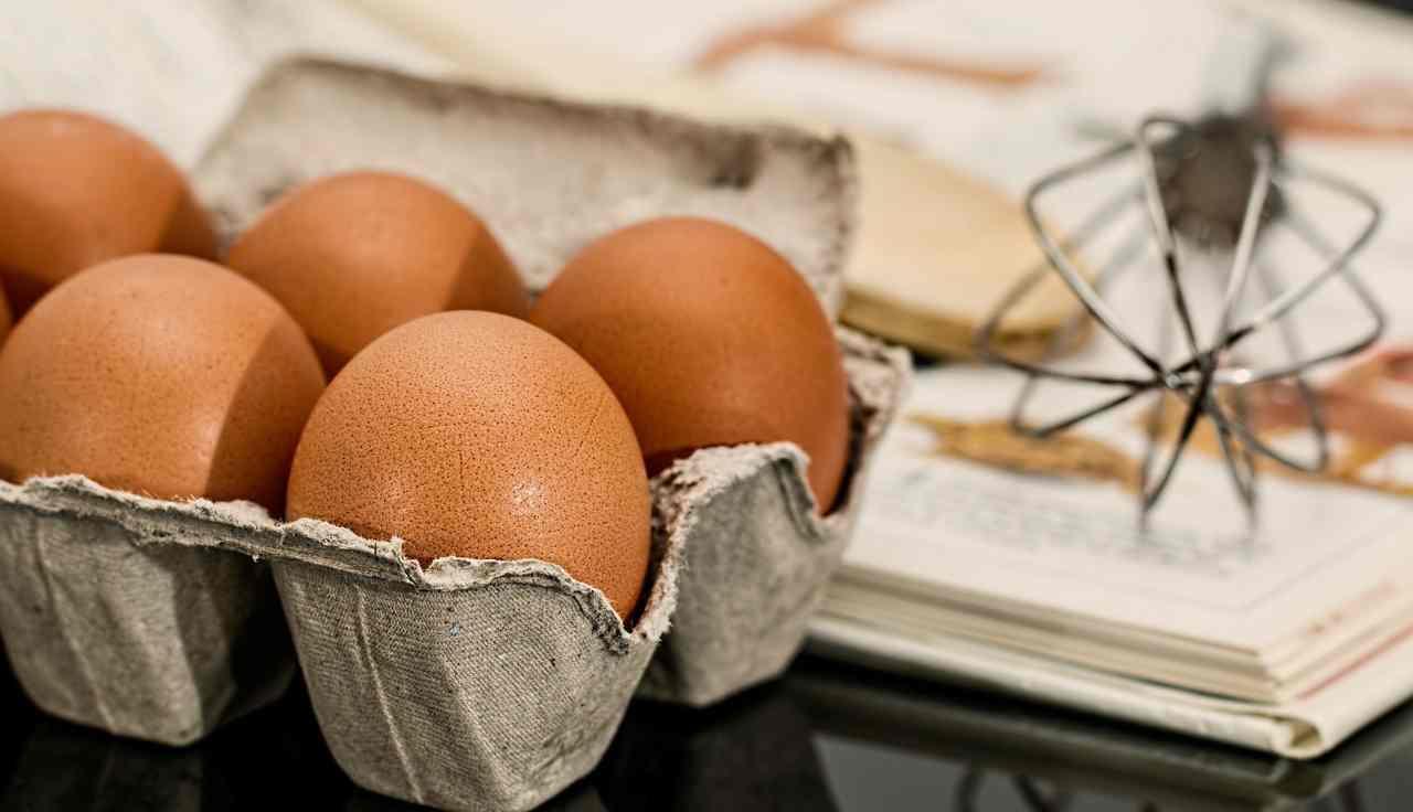 uovo nel congelatore