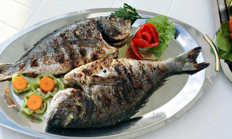 pesce alla griglia, idea furba