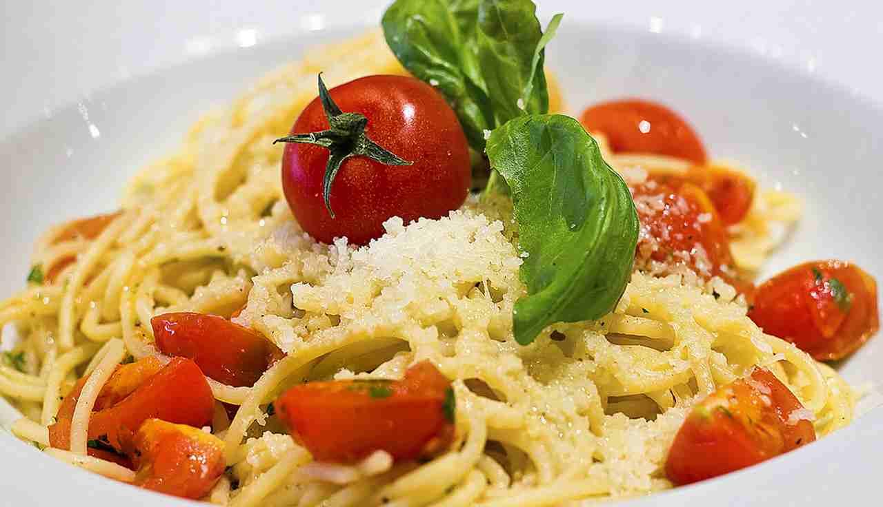 spaghetti aglio e olio siciliana