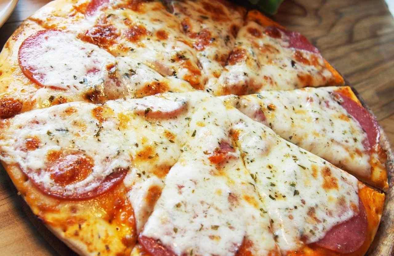 Pizza fatta in casa, ma cotta in padella: sapete come fare? Ecco tutti i passaggi