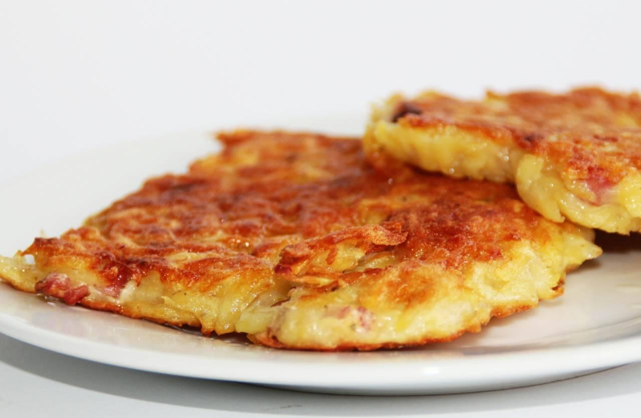 Frittelle di patate: la ricetta veloce per un antipasto croccante e sfizioso (Fonte foto: Pixabay)