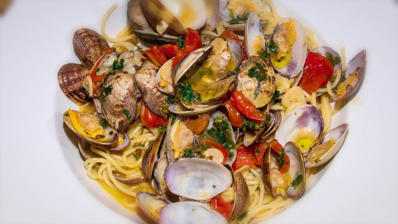 Spaghetti alle vongole, ma non il classico piatto: l'ingrediente che vi stupirà (Fonte foto: Pixabay)
