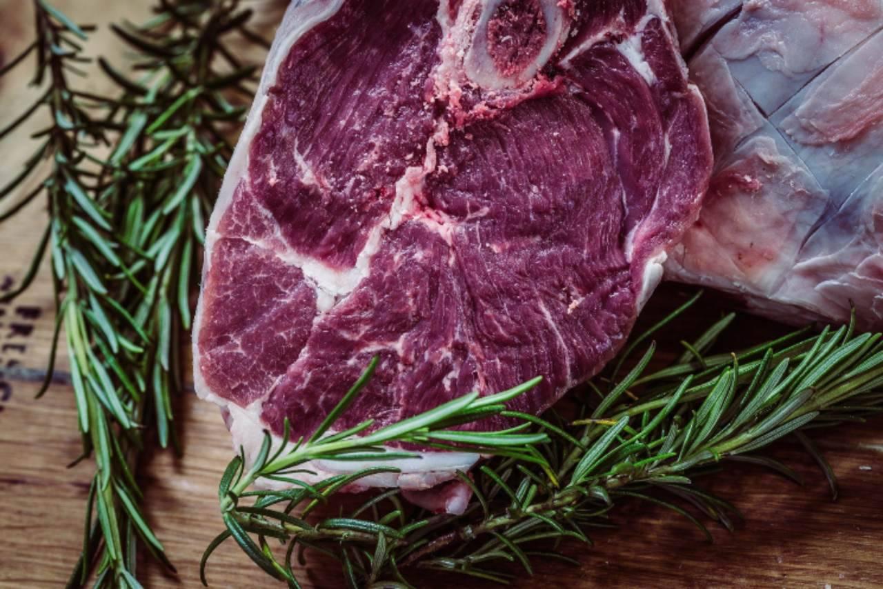 Come conservare più a lungo la carne fresca: i rimedi infallibili (Fonte foto: Pixabay)