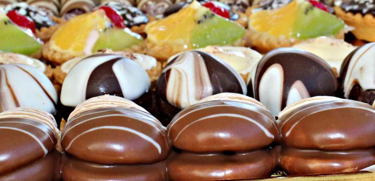 Prendi questo e immergilo nel cioccolato fondente: vedrai che bontà!