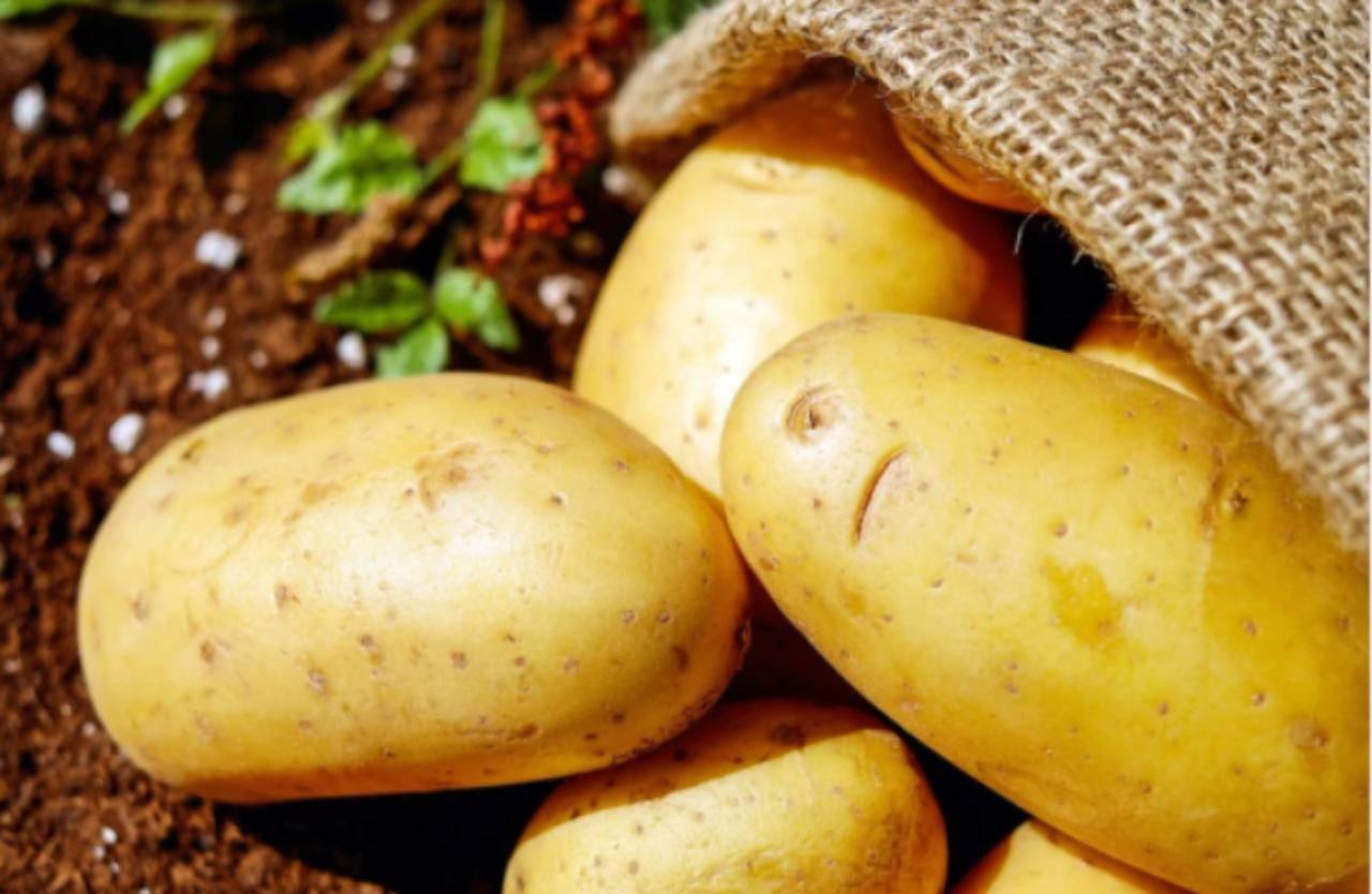 Aggiungete questo ingrediente alle patate, saranno favolose: il contorno pronto in 20 minuti