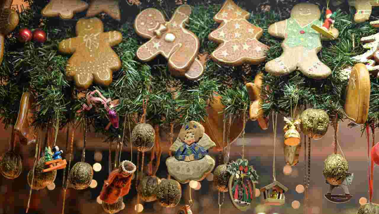 Prepararsi al Natale: come creare decorazioni per l'albero con 3 ingredienti