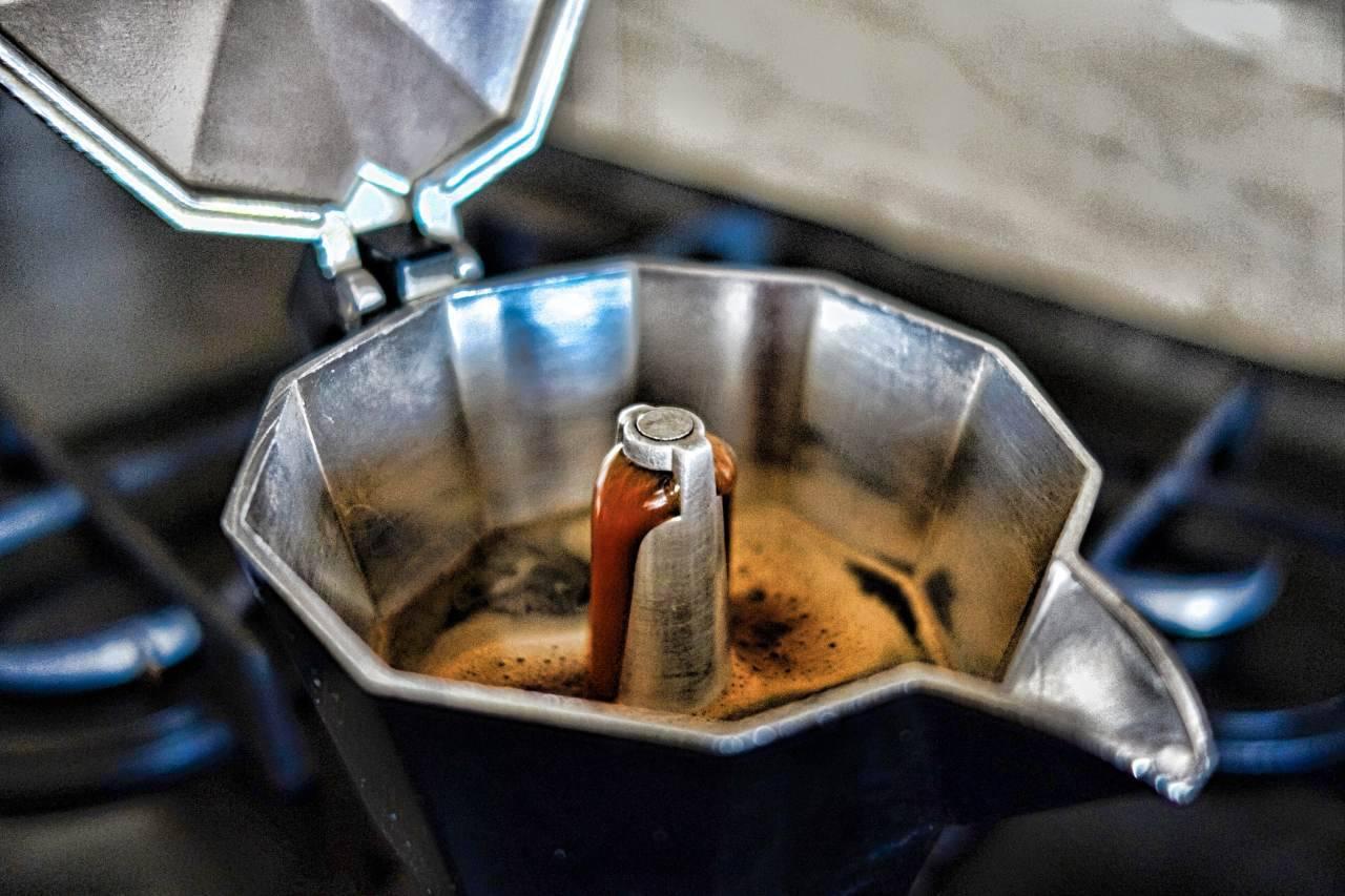 Caffè cremoso fatto in casa come quello del bar: gli errori comuni che devi evitare per un gusto unico