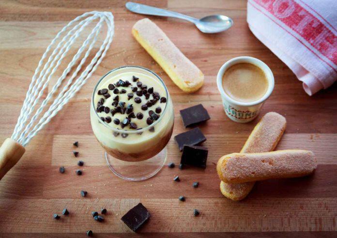 Dessert express: dolce al bicchiere rapido e semplicissimo