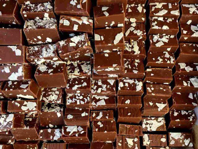 Fudge al cioccolato: scatena la tua fantasia con questa ricetta