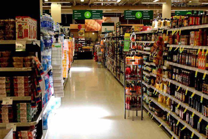 Ruba al supermercato: il gesto del direttore che commuove il web