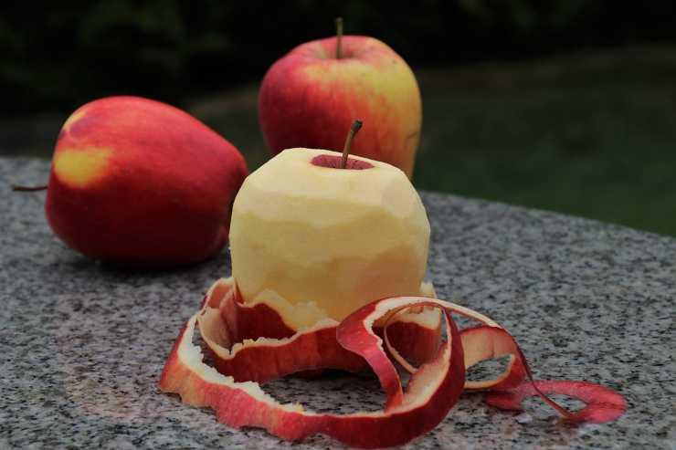 ciambellone mele