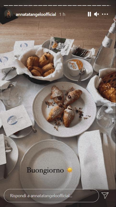 Anna Tatangelo cena golosa foto
