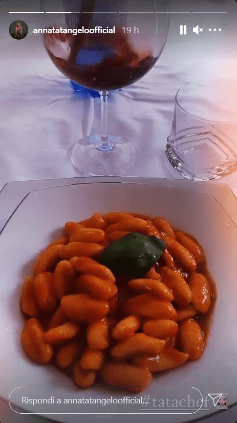 Anna Tatangelo ricetta gnocchi pomodoro polpette sugo foto