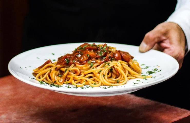 Anna Tatangelo ricetta spaghetti alla Luciana