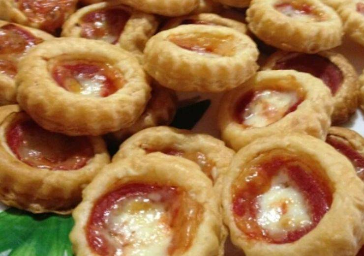 mini pizzette pasta sfoglia