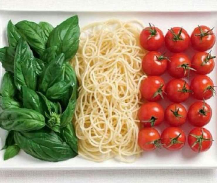 ingredienti pasta fredda tricolore