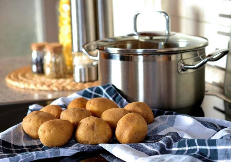 patate fresche da lessare