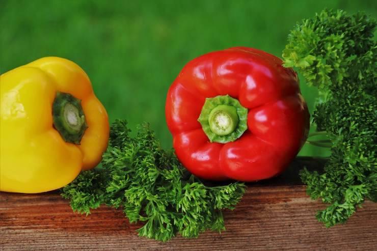 peperoni rossi e gialli
