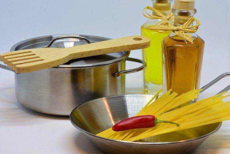 ingredienti aglio olio peperoncino
